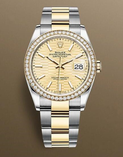 Quality fake watches apply the iconic fluted element.